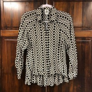 Ivy Jane black and white printed blouse sz small